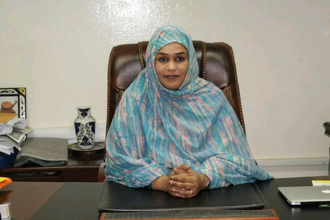 وزيرة الاسكان - خديجة الشيخ بوكه