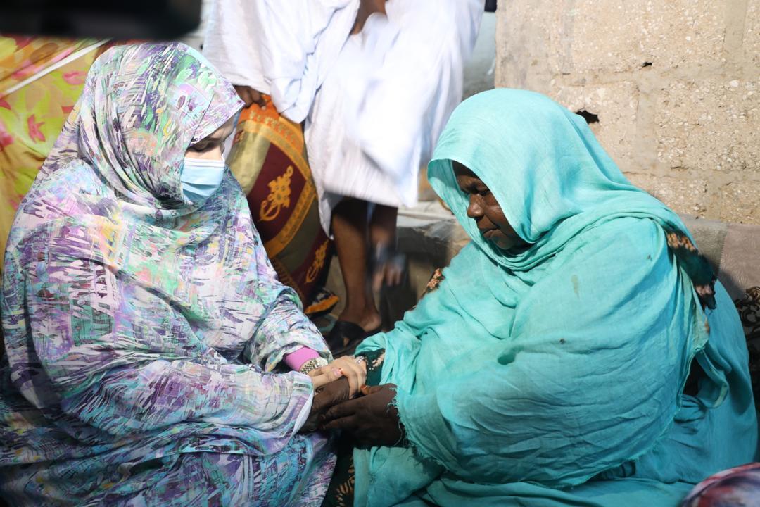 والدة الفتاة أميمه، ووزيرة الشؤون الاجتماعية والطفولة والأسرة الناها الشيخ سيديا