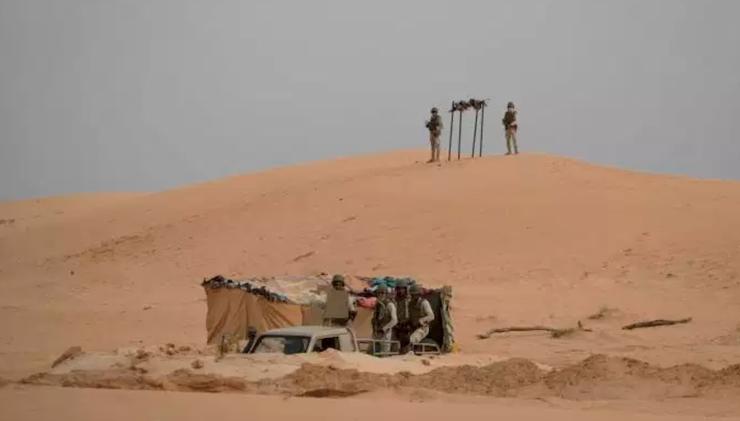 جنود موريتانيون على الحدود مع دولة مالي (ا ف ب)