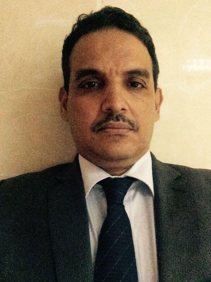 محافظ البنك المركزي في موريتانيا عزيز ولد الداهي