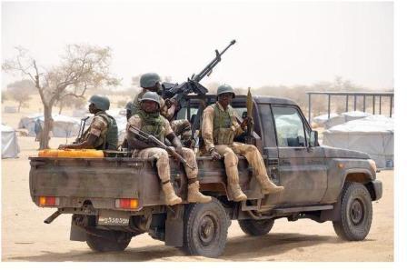 صورة جنود أفارقة نقلا عن موقع الديلي ميل