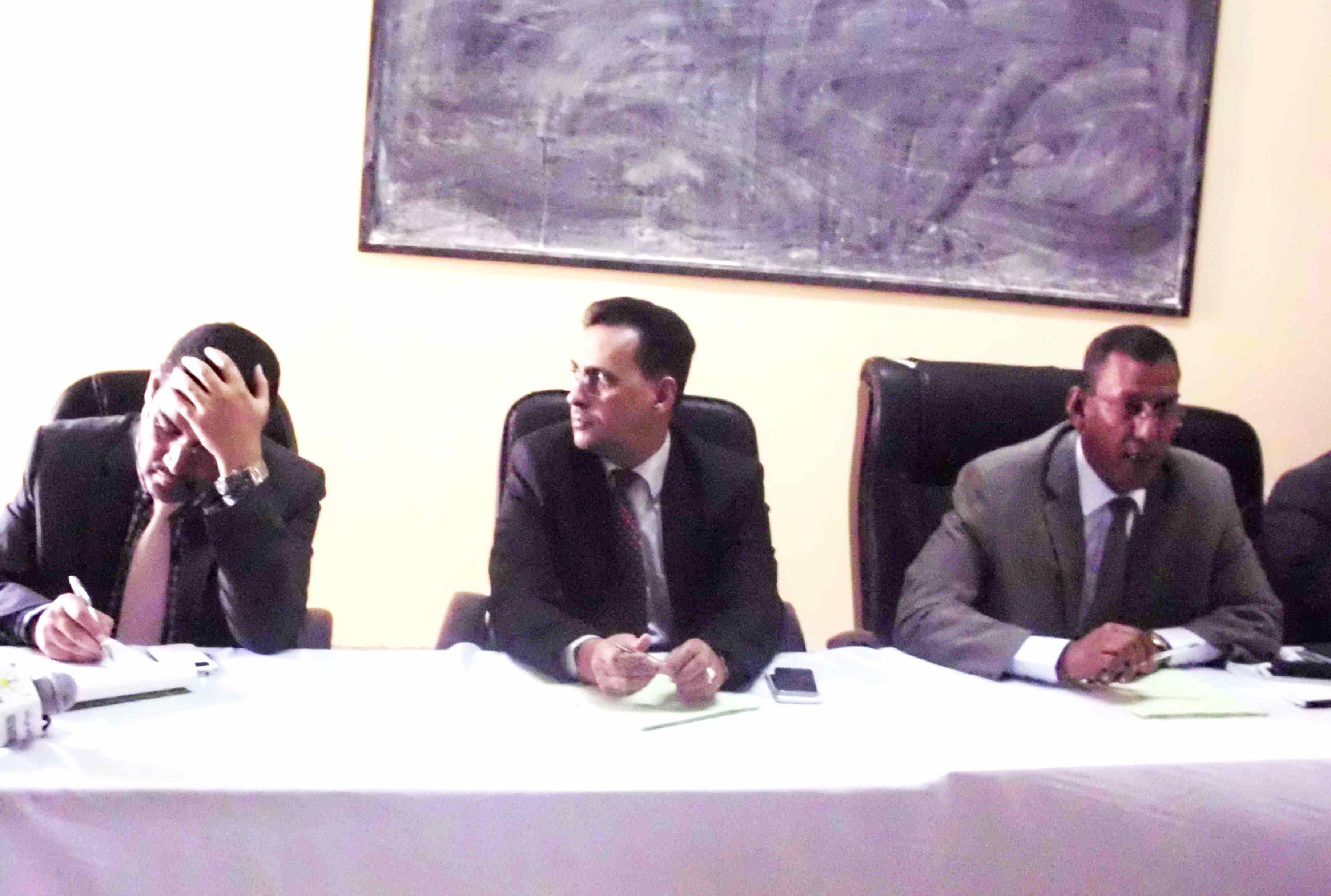وزير الصحة الموريتاني أحمد ولد حدمين ولد جلفون أثناء الاجتماع (الوكالة الرسمية)